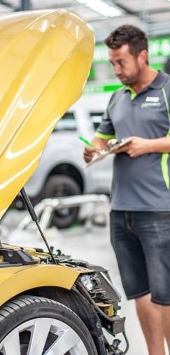 Probeat staff assessing damage - Auto body repairer